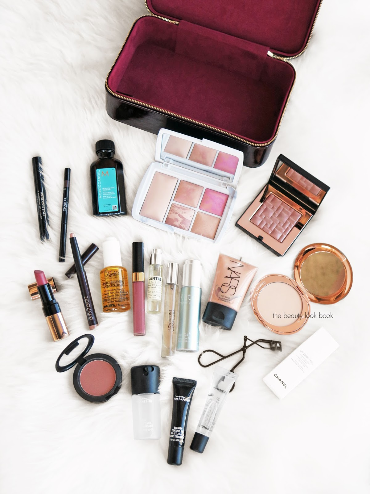 The Beauty Look Book - Travel Beauty