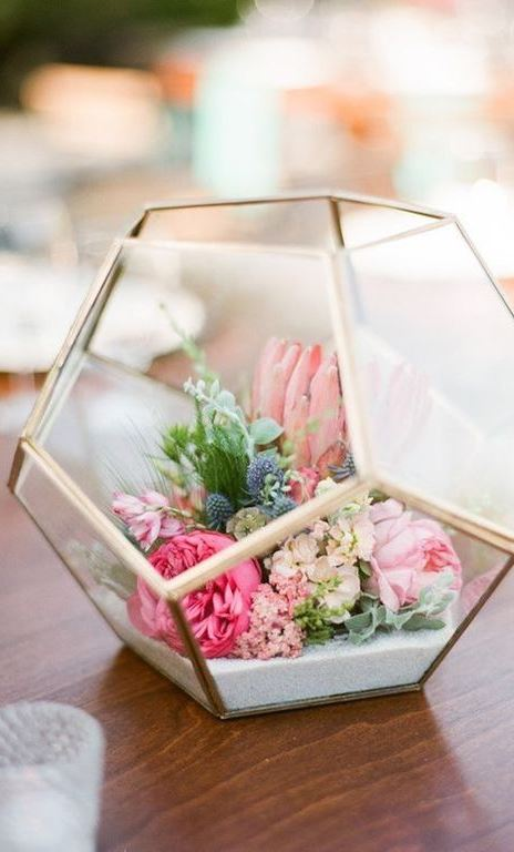 20 DIY Easter Centerpieces That Will Make the Easter Bunny Jealous