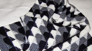 Manta crochet en blanco y negro