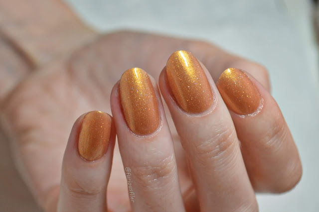 leighton denny wanderlust gold holographic summer swatch