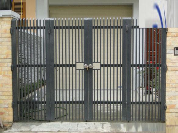 cổng inox 4 cánh đẹp - mẫu 11