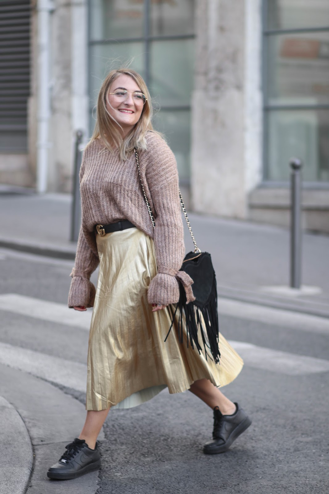 pull marron noeud parisgrenoble