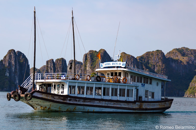 Hanoi Side-Trip to Ha Long Bay in 24 Hours Junk Boat