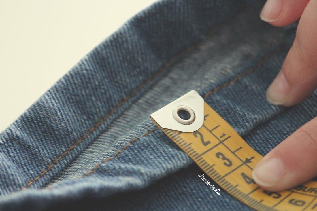 8 trucos para coser el bajo de un pantalón vaquero - Mirar como está cosido el bajo original