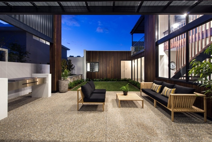 Modern terrace in The Warehaus by Residential Attitudes