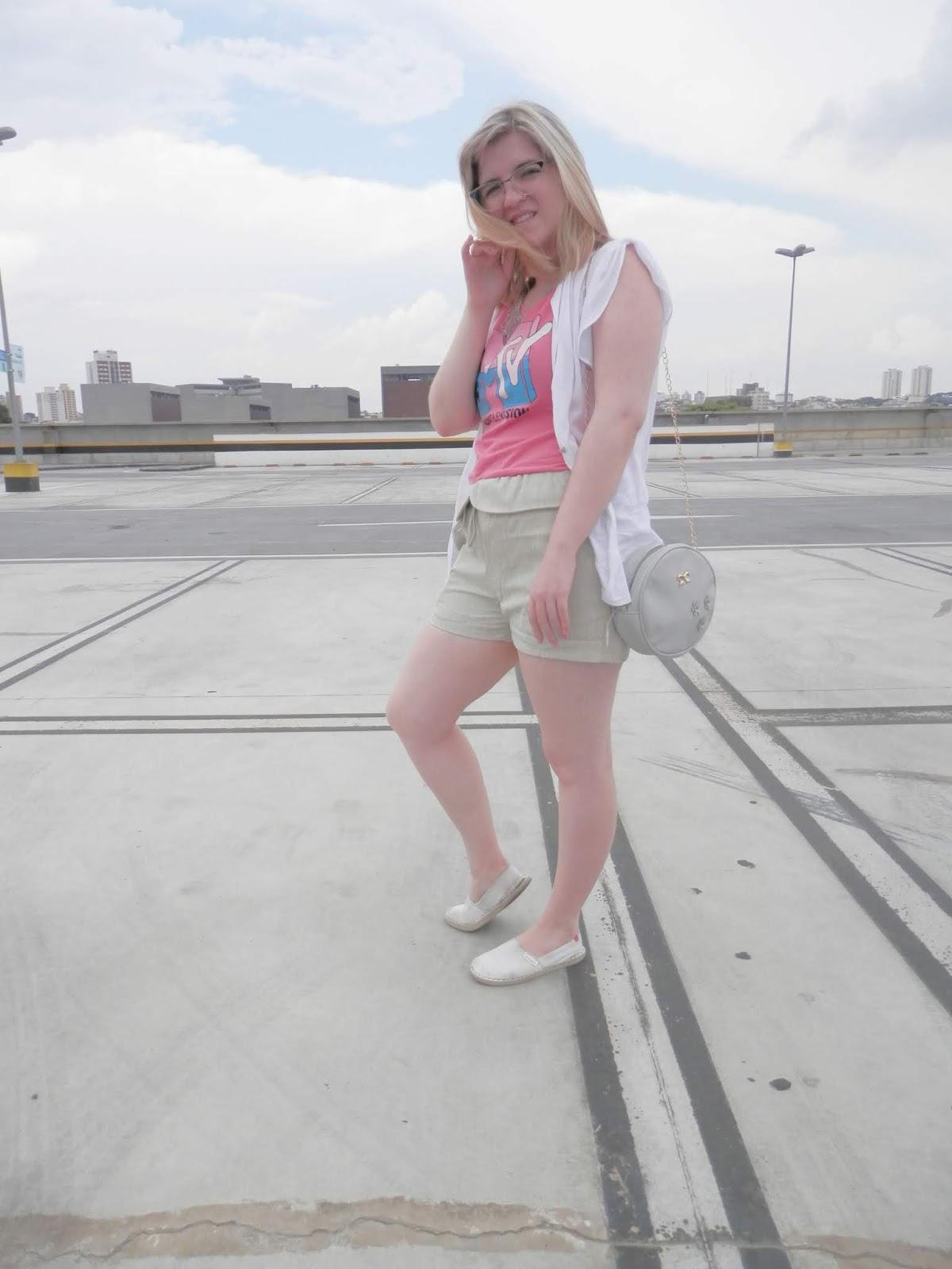 Look: Shorts de poliéster com terceira peça