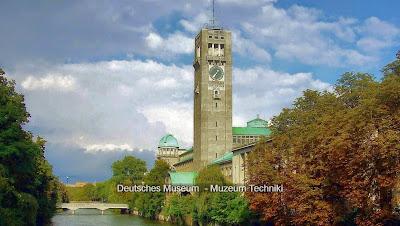 Deutsches Museum-widok od rzeki z drugiej strony