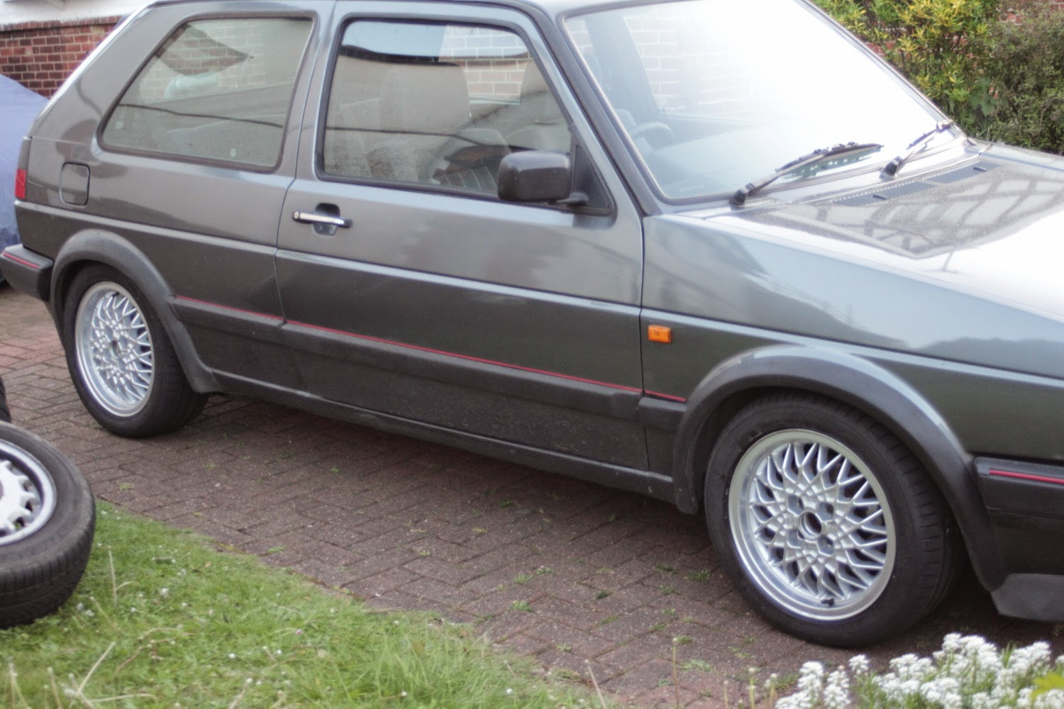 life with a 1989 vw golf mk2 gti 16v dunlop bluresponse. Black Bedroom Furniture Sets. Home Design Ideas