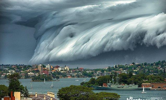 awan di sidney yang siap menelan kota