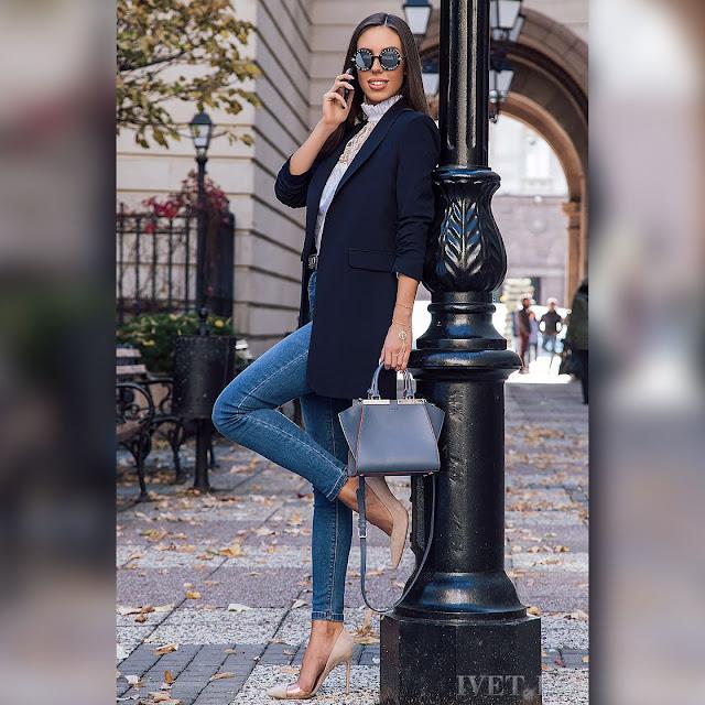 Γυναικείο μαύρο σακάκι ROBERTINA BLACK