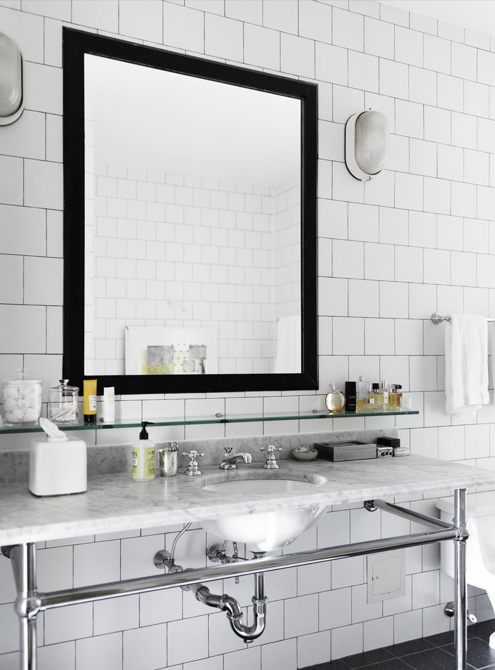 COCOCOZY: BATHROOM MIRRORS LOOKING GOOD