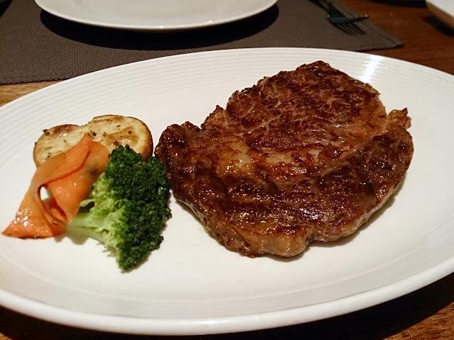 【內湖美食】Fresh & Aged 美福食集牛排館-乾式熟成牛排和精緻Buffet(有菜單)/台北牛排/西餐