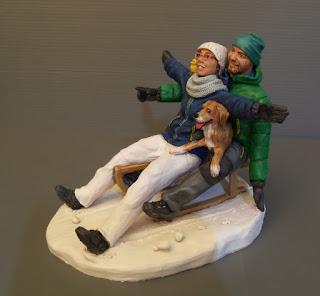 idee regalo coppia fidanzati sposi statuina realistica neve slittino orme magiche