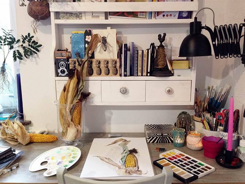 Przy biurku kukurydzy malowanie