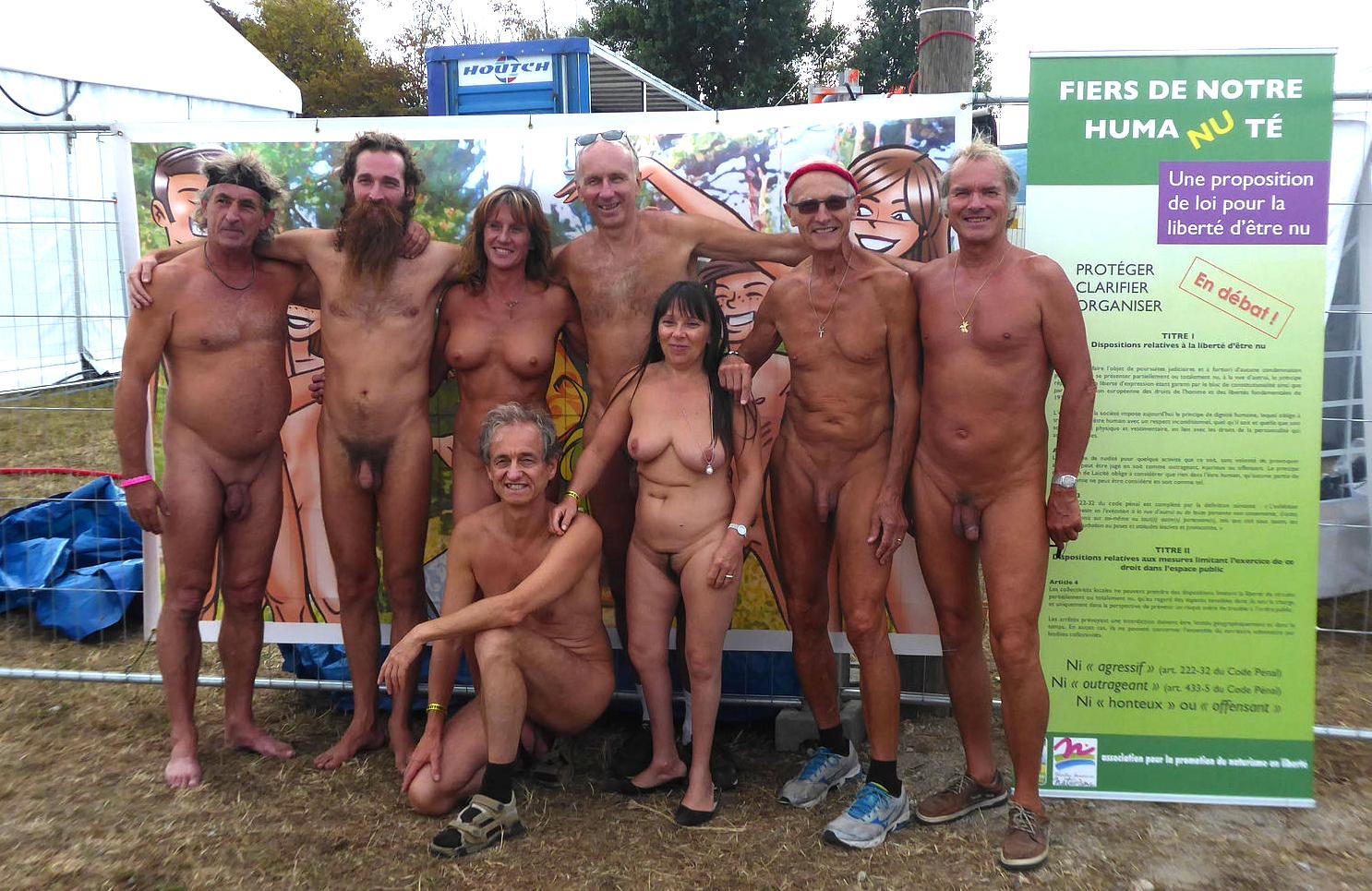 Lunique plage nudiste de Moscou est menace de fermeture