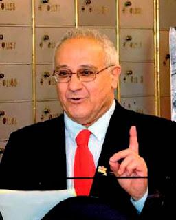 El Dr. Abraham Haim fue nombrado presidente del Consejo de la Comunidad Sefardí de Jerusalén y de su nueva Junta Directiva. El 17 de junio de 2013, el Dr. Abraham Haim aceptó dicho cargo. Recordemos que el Dr. Haim pertenece a una familia sefaradí y nació en Jerusalén el 6 de diciembre de 1941, se licenció en Historia del Medio Oriente y en Lengua y Literatura Árabe por la Universidad Hebrea de Jerusalén. Logró su doctorado en Historia por la Universidad de Tel Aviv, y fue durante cinco años Director General del Patrimonio Sefaradí dentro del Ministerio de Educación y Cultura del Estado de Israel.