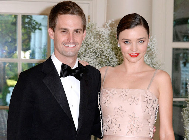 MIRANDA KERR IS ENGAGED!!