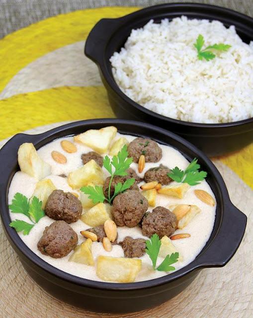 كرات اللحم والبطاطا بالطحينة