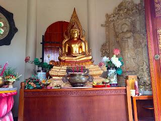 buddhist altar gold buddha statue