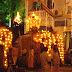 கண்டி பெரஹரவில் ஜன்னல் கழன்று விழுந்து 2 பெண்கள் மற்றும் 2 ஆண்கள் வைத்தியசாலையில்..