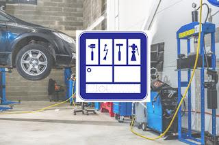 Ubicar la placa de industria en la fachada del taller transmite confianza al cliente