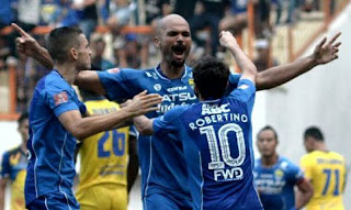 Persib Bandung Menang 2-1 atas Persiba Balikpapan