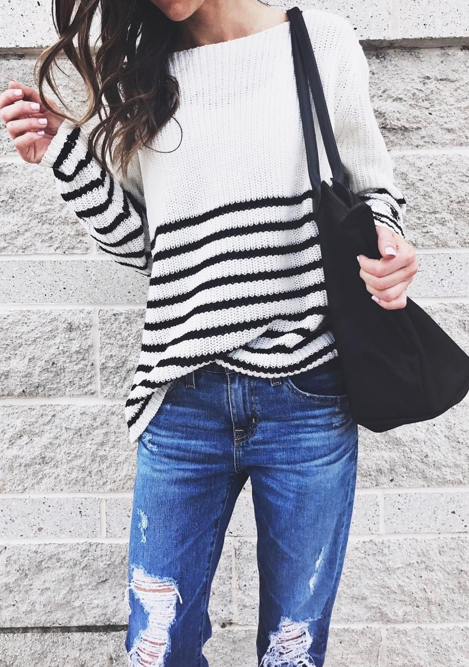 winter trends / stripped sweater + ripped jeans + bag