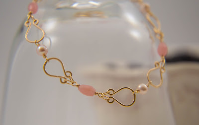 pearl bracelet hammered gold links rose millennial pink mauve pink purple pearls s clasp handmade
