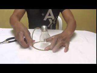 Procedimiento para elaborar maceteros ecológicos con bombillas quemadas para interiores