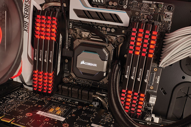 VENGEANCE LED DDR4 Top