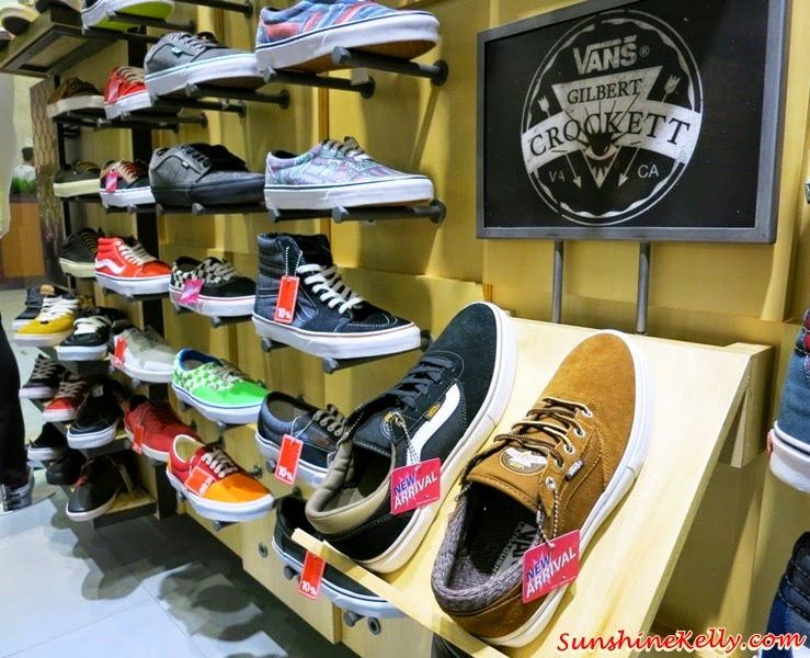 Sports Fashion Formula @ Fahrenheit88, Sports Fashion Formula, Fahrenheit88, Sun Paradise Dive, New Balance, Li Ning, Heavyweight, Royal Sporting House, Vans, Royal County of Berkshire Polo Club, Rip Curl, DC Comics Super Heroes, Skechers