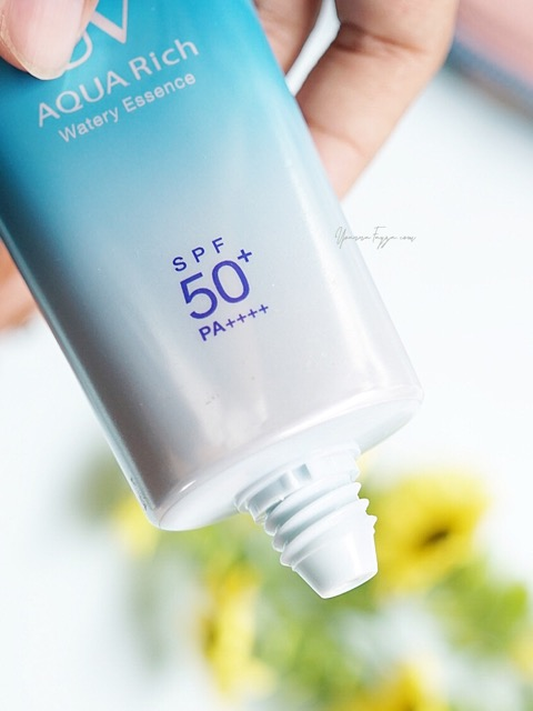 Review Bioré UV Aqua Rich Watery Essence