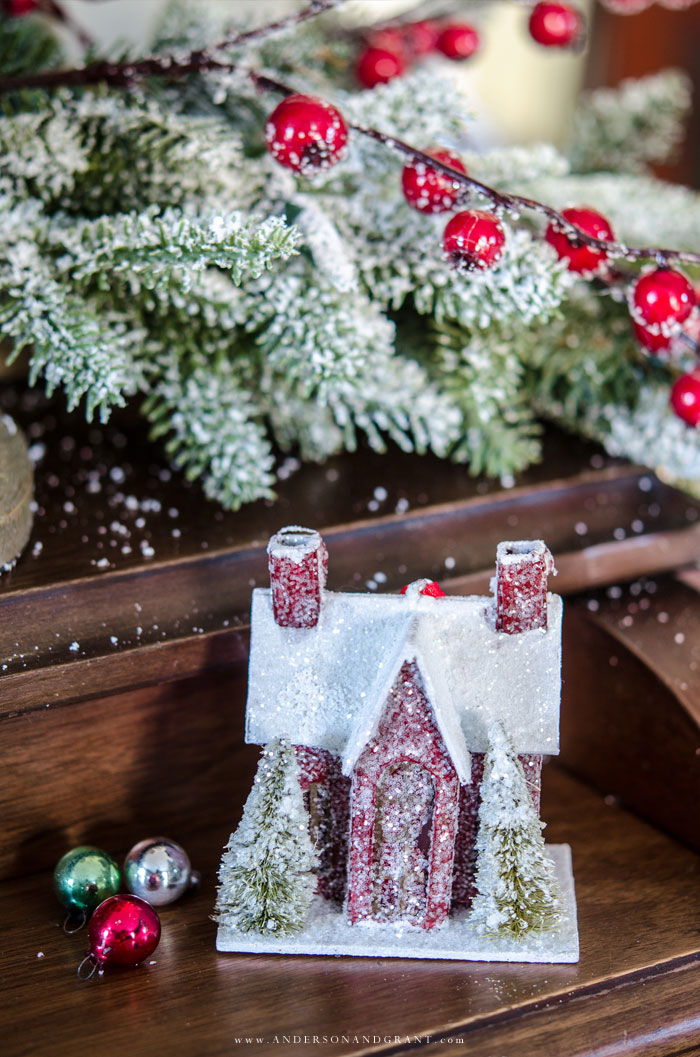 A holiday home decorated in a vintage inspired Christmas theme with snow and pops of red.  |  Balsam Hill Holiday Housewalk 2017  www.andersonandgrant.com