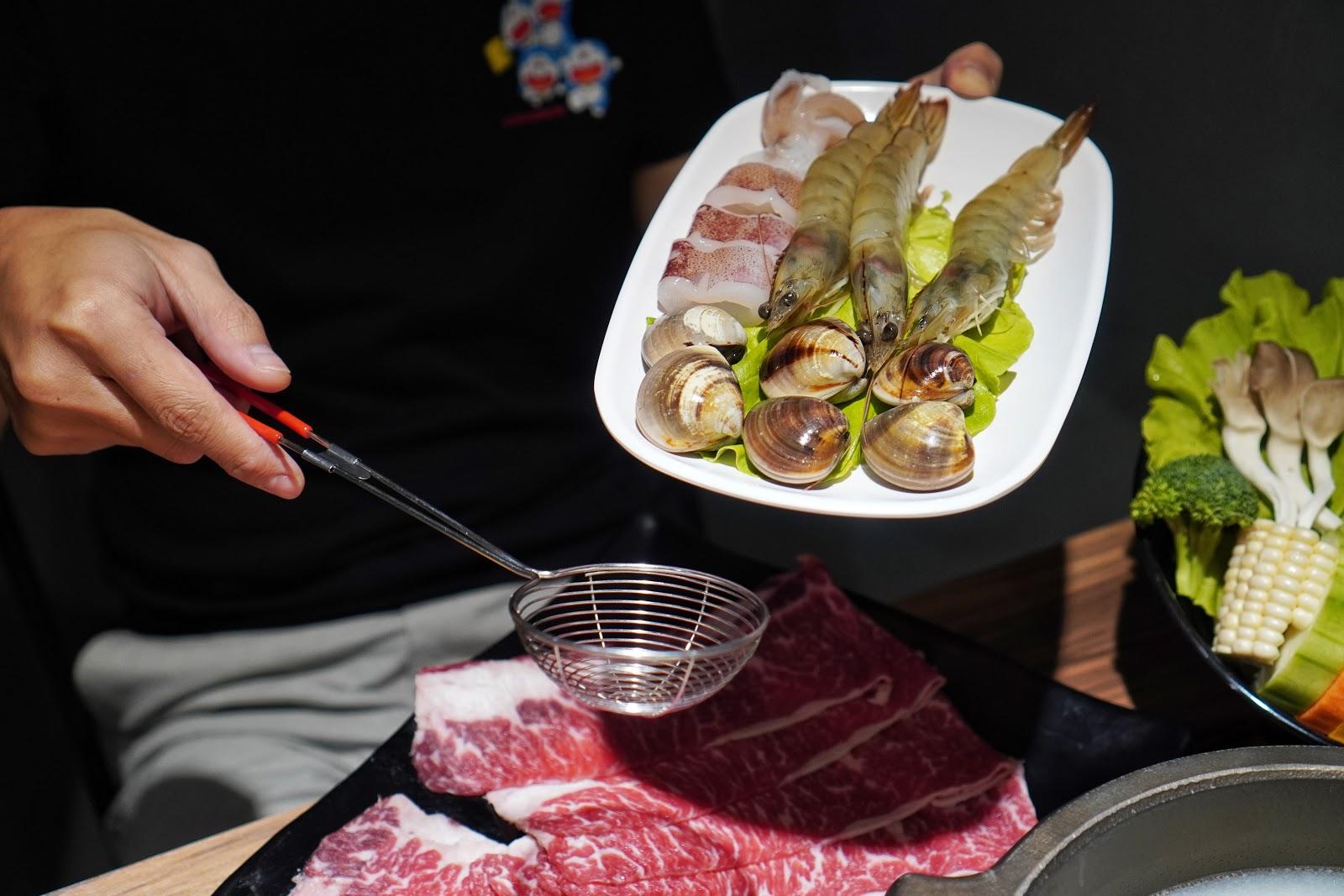 台南東區美食【就愛這鍋 麻辣鍋】海鮮拼盤