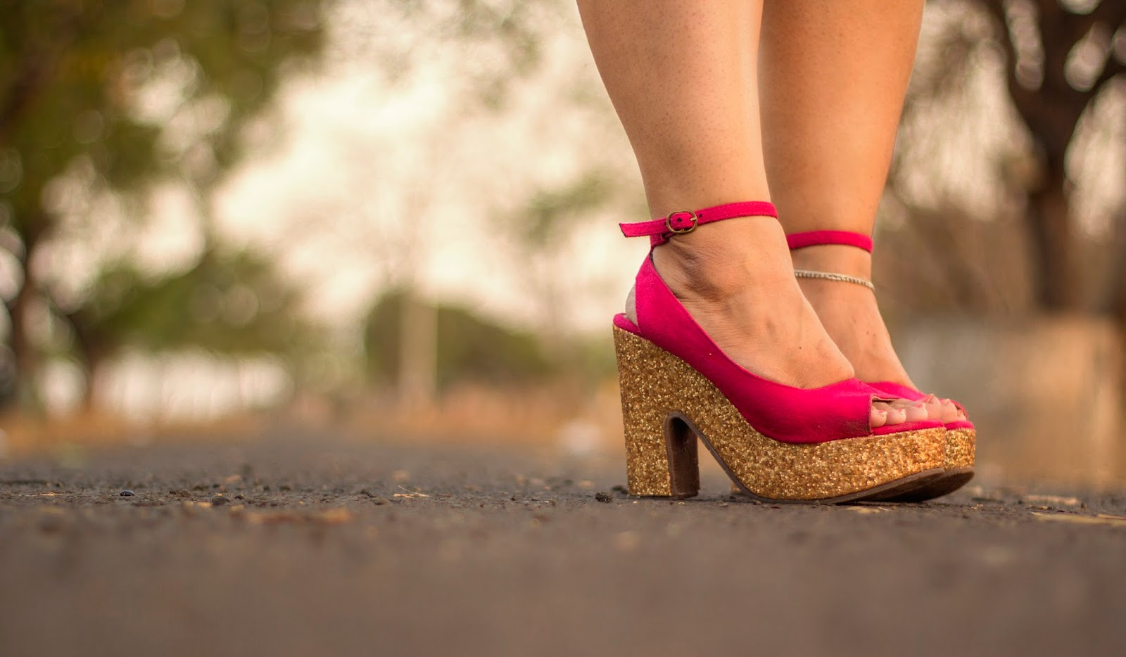 white lace skirt skater skirt pink heels