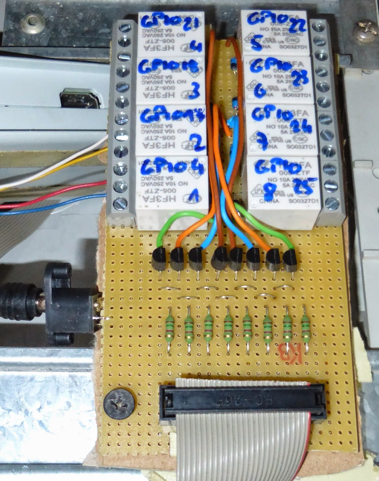 Techblog: Raspberry PI Relaiskarte 8-K (230V/10A schaltbar) on