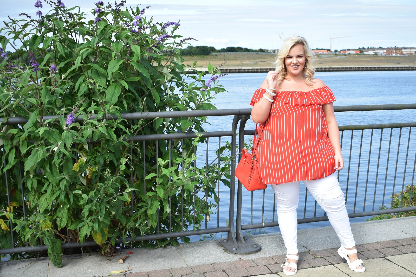 UK Plus Size Fashion Blogger WhatLauraLoves- a Sunderland lass writing about the importance of staying humble