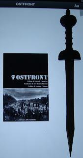 Portada del libro Ostfront, de Santiago Eximeno, Eduardo Vaquerizo y José Ramón Vázquez
