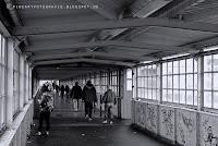 http://fineartfotografie.blogspot.de/2014/01/innenansichten-einer-fugangerbrucke-in.html