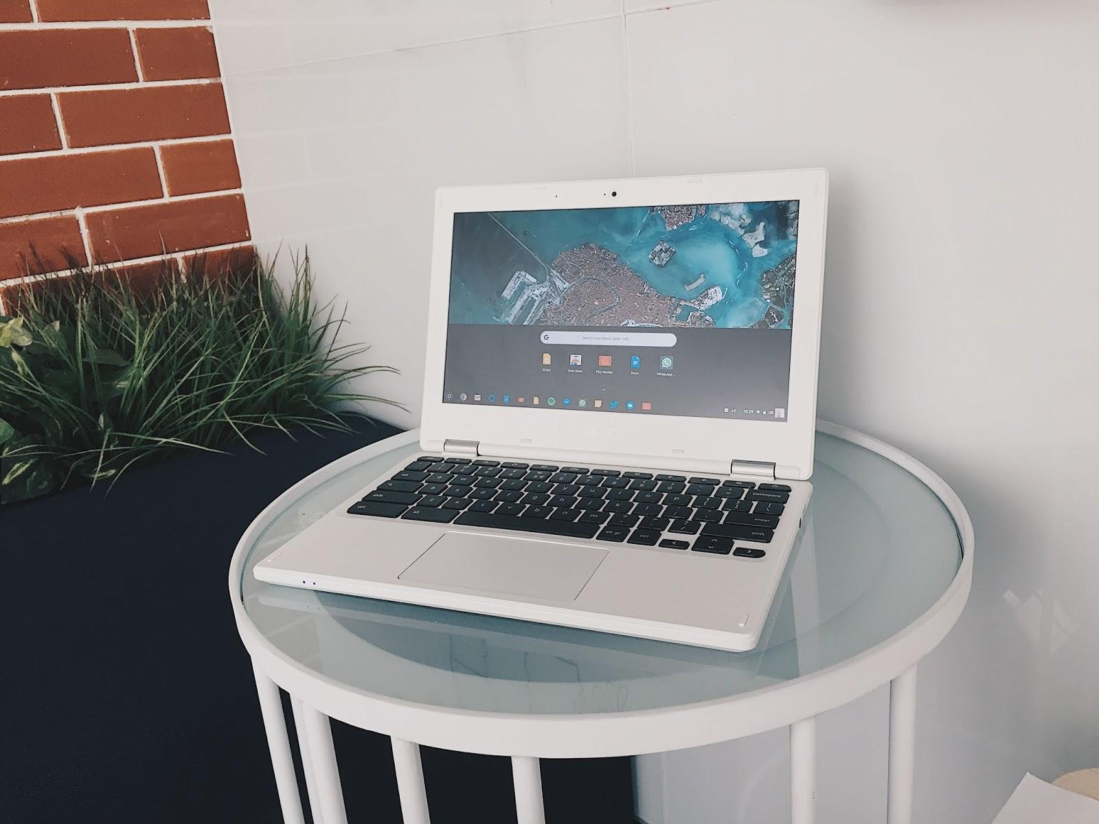 Oh ya untuk ulasan lebih detail dan teknis dari Acer Chromebook CB 131 mungkin akan saya buatkan artikel terpisah So jangan bosan bosan hehe