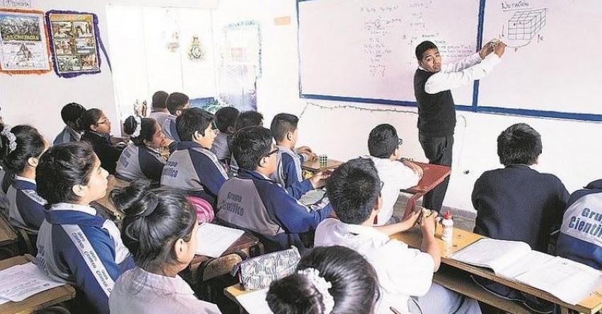 Reconocen bono por preparación de clases y por desempeño de cargo directivo a docente de la DRE Madre de Dios