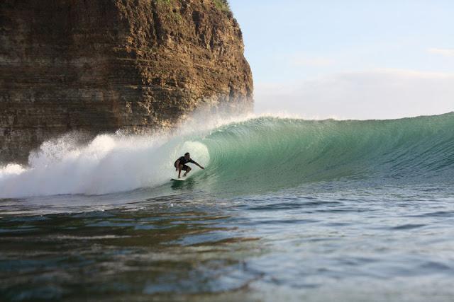 surfing manzanillo beach nicaragua