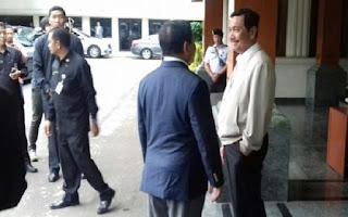 Di Balik Pertemuan Luhut dan Prabowo Subianto