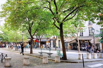 Paris : Place du Marché-Sainte-Catherine, gardienne du souvenir, témoin de la construction du Marais - IVème