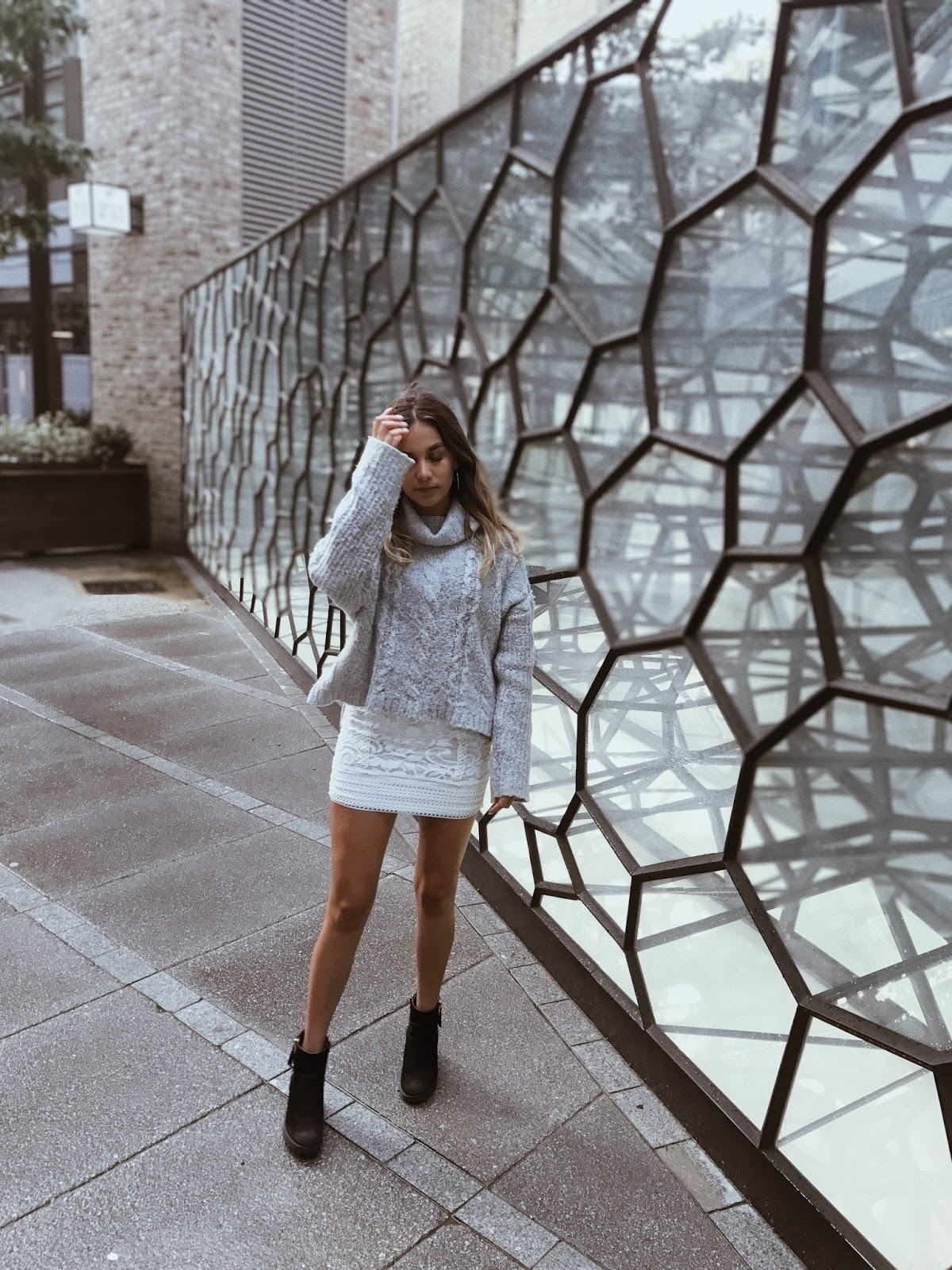 everything that happens in life happens for a reason advice post yasmin stefanie street style