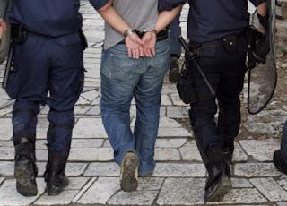Πέντε Πακιστανούς στην Μανωλάδα Ηλείας συνέλαβε η αστυνομία για απαγωγή και κακοποίηση