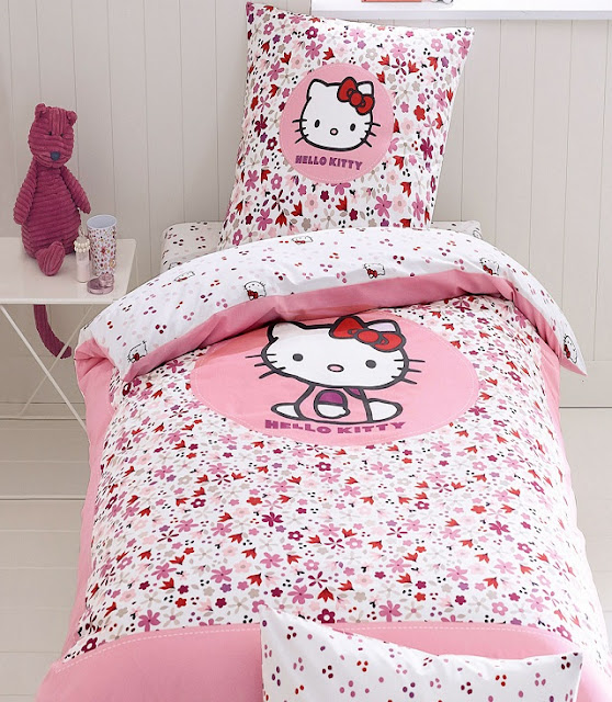 Chambre fille hello kitty - Decoration hello kitty chambre bebe ...