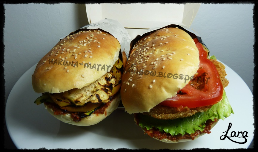 http://cucinaconlara.blogspot.it/2014/10/panini-morbidissimi-simil-fast-food.html