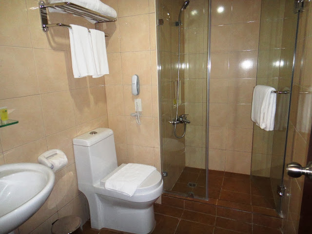 Toilet set up of standard room for 4 of Canyon Woods Hotel