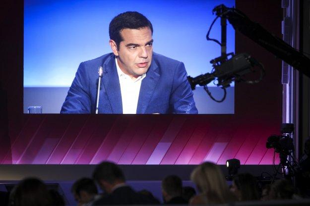 FT: Ο Αλ. Τσίπρας επιδιώκει να αναβάλλει τις περικοπές λόγω εκλογών